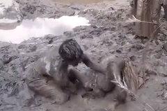 Trò chơi lầy lội nhất trái đất