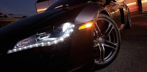 Sử dụng đèn chiếu sáng xe ô tô thế nào cho hiệu quả?