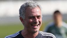 Mourinho gia hạn đến 2021, Sanchez ra mắt trận MU vs Burnley