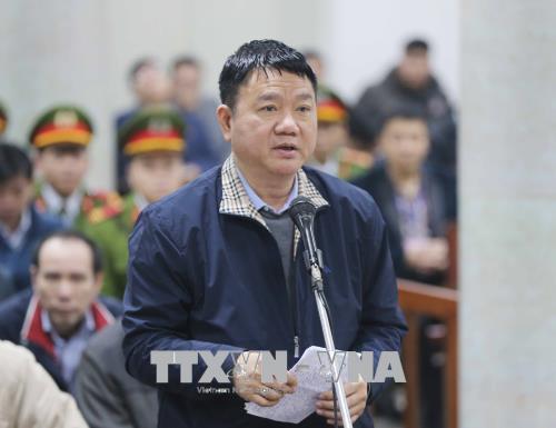 Bị cáo Đinh La Thăng nói lời nói sau cùng. Ảnh: TTXVN