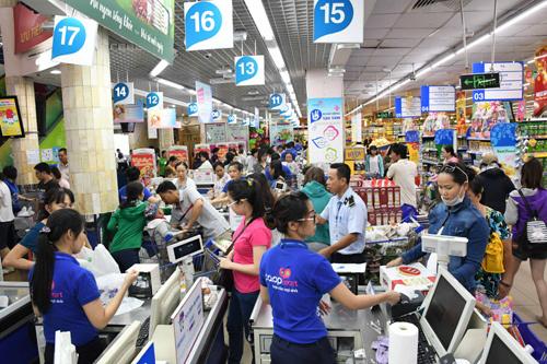 Siêu thị Co.opmart Tân Thành khai trương tặng Iphone X