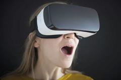 Hàng ngàn người lộ danh tính vì ứng dụng khiêu dâm VR