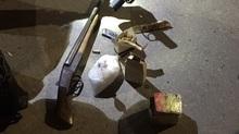 9x Nghệ An đi ô tô mang đầy súng đạn bị bắt ở Hạ Long