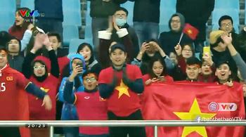 BLV Tạ Biên Cương bật khóc khi U23 Việt Nam bay vào tứ kết