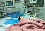 Hà Nội: Bé 8 tháng nguy kịch nghi do tiêm nhầm thuốc