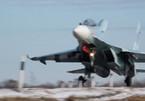 Xem chiến cơ Nga hạ cánh ngoạn mục xuống đường cao tốc