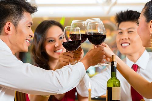 Bí quyết 'uống' Tết không lo rối loạn tiêu hóa