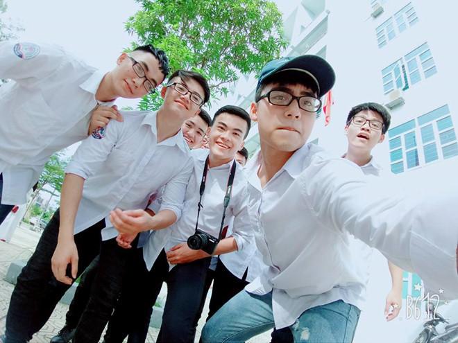 Em Sơn Tùng M-TP cover 'Lạc trôi' hay không kém anh trai