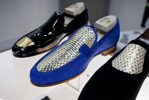 Đôi giày dát vàng 24k giá hơn 600 triệu