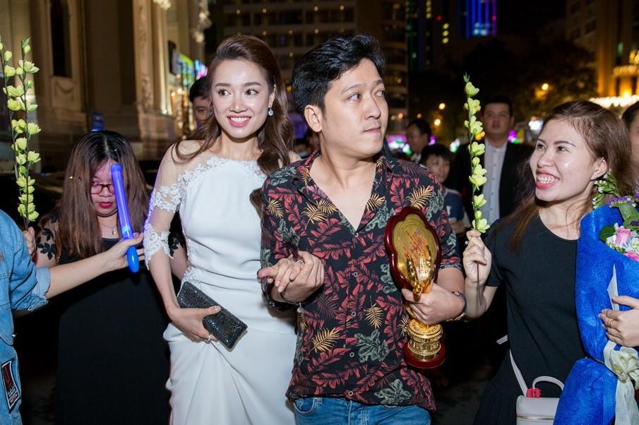 MC Quý Bình buồn và xấu hổ trước màn cầu hôn của Trường Giang