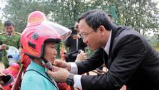 1.000 mũ bảo hiểm độc đáo dành cho phụ nữ dân tộc Thái