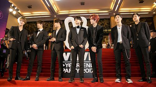 Xuất hiện cực điển trai, nhóm nhạc GOT7 khiến fan Việt náo loạn