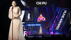 Bị khán giả la ó vì hát live kém, Chi Pu vẫn nhận giải Nghệ sĩ đột phá