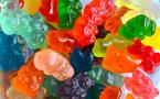 Hãi hùng món kẹo dẻo 'đắm chìm' trong phẩm màu và hóa chất