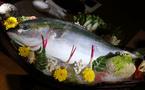 Chơi độc sập gỗ nu 3 tỷ, ăn chất nồi cá kho 12 triệu