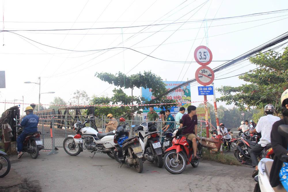 Xe tải làm sập cầu ở Sài Gòn chở quá tải gần 5 lần