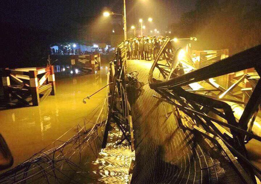 Vụ sập cầu ở Sài Gòn: Có 30 cầu yếu 'chờ sập' trên toàn TP