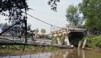 Sà lan tông sập cầu ở miền Tây, giao thông tắc nghẽn