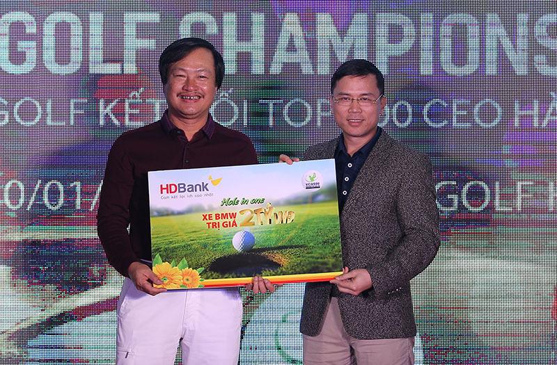 Golfer Hồ Văn Hùng vô địch giải golf VCG 500 2018