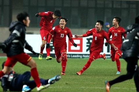 Khoảnh khắc vỡ òa sung sướng của U23 Việt Nam trên đất Trung Quốc