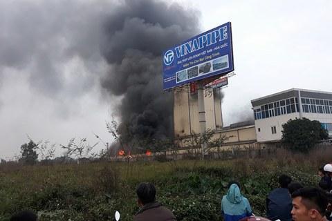cháy nhà máy cám