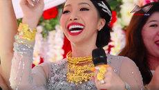 Cô dâu đeo 1 kg vàng nhảy tưng bừng trong đám cưới
