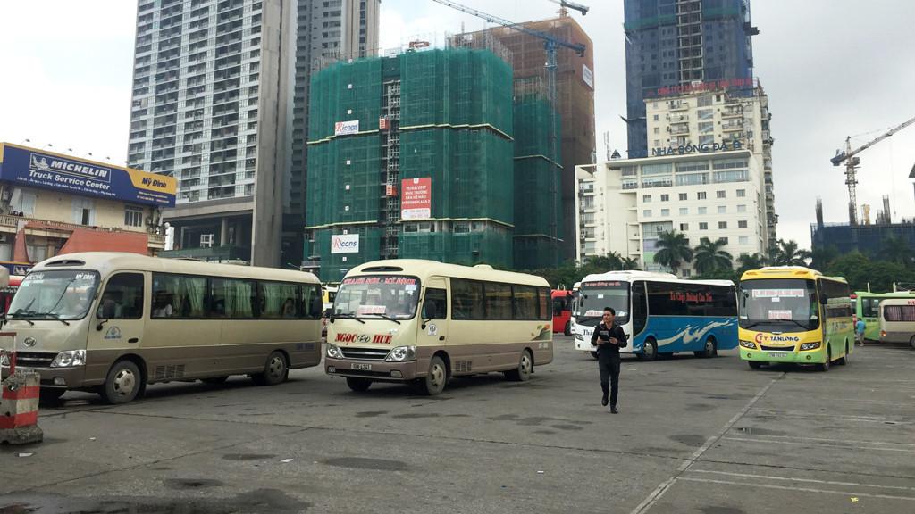 Một km gánh nghìn căn hộ: 'Điểm đen' quá tải mới ở Hà Nội