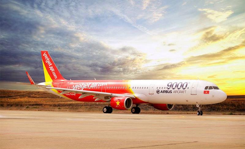 Lên ngôi vô địch, U23 Việt Nam được sơn hình lên… máy bay