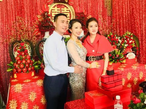 Đám cưới Hậu Giang, cô dâu đeo 1kg vàng