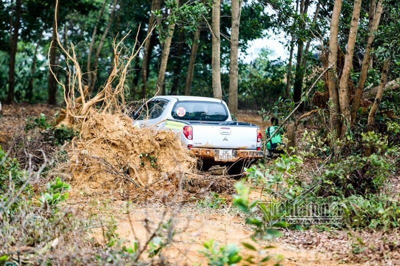 Lần đầu tiên ở Việt Nam: Trận đối đầu ô tô địa hình