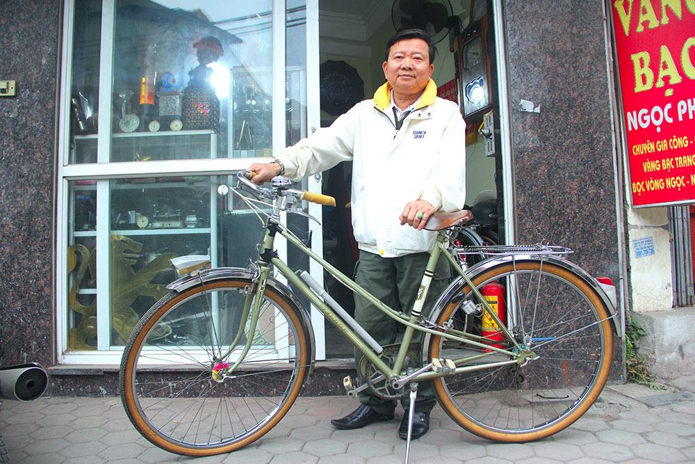 'Đại gia' Hà thành bán xe đạp cổ mua nhà mặt phố
