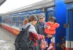 Giao thừa đẫm nước mắt của người đàn bà trên chuyến tàu cuối năm