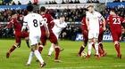 """Thua đau đội cuối bảng, Liverpool """"ngửi khói"""" MU"""