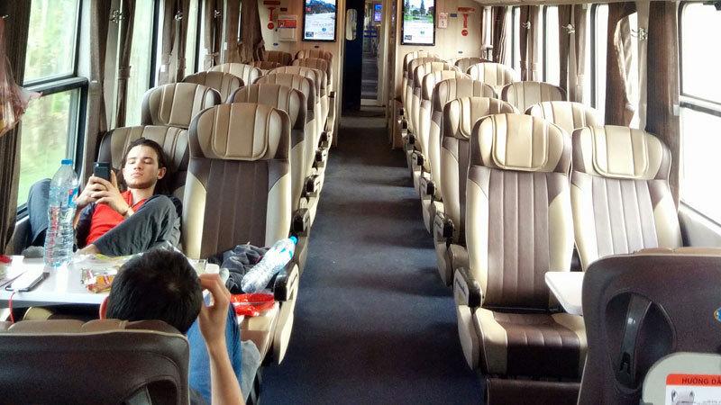 tàu đường sắt,tàu hỏa Bắc Nam,tàu 5 sao, đường sắt Bắc Nam