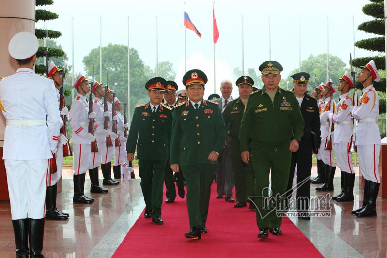 Bộ trưởng Quốc phòng Nga,Bộ trưởng Quốc phòng Ngô Xuân Lịch,Ngô Xuân Lịch
