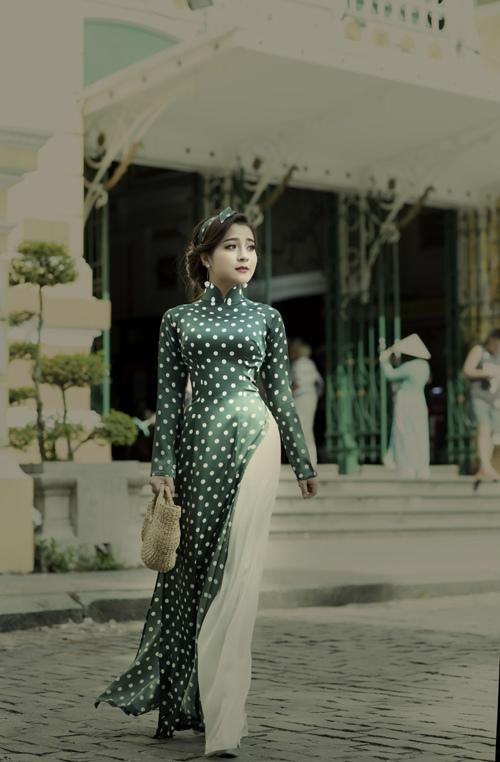 Á quân Sao Mai Ngọc Ánh đẹp dịu dàng với áo dài