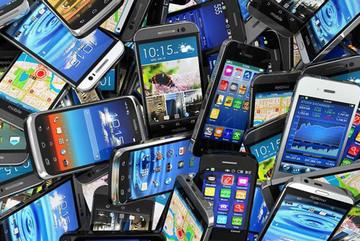 """Điện thoại nào bị làm """"nhái"""" nhiều nhất năm 2017?"""