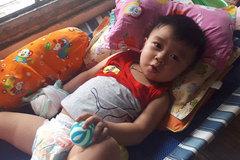 Thiếu tiền chữa bệnh, tính mạng cậu bé bị đe dọa