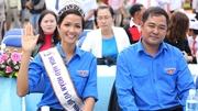 Hoa hậu H'Hen Niê cổ vũ U23 Việt Nam