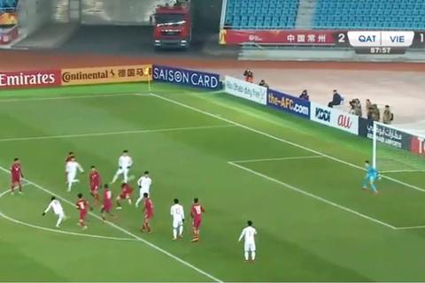 Quang Hải gỡ hòa 2-2
