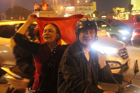 U23 Việt Nam vs U23 Qatar: Rộn ràng sắc đỏ trước giờ G
