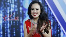 """BTV Hoài Anh hát cực hay hit Mỹ Tâm và """"Người lạ ơi"""""""