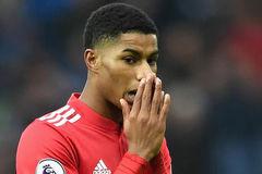 MU nguy cơ mất Rashford, Sanchez lấn quyền Mourinho
