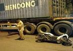 Đi cổ vũ bóng đá, CĐV tử vong trong gầm container