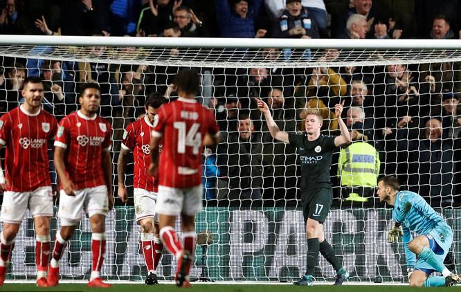 Tung sao thiện chiến, Man City đoạt vé chung kết cup Liên đoàn Anh