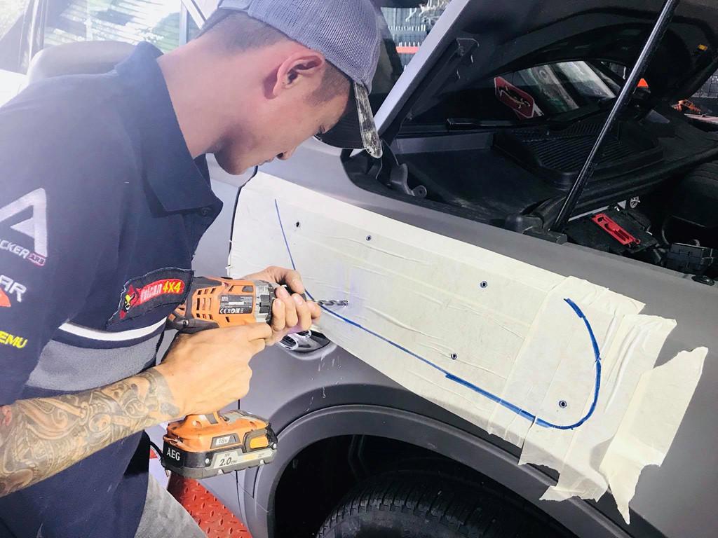Độ ống thở cho SUV hạng sang - thú chơi dị của đại gia Việt