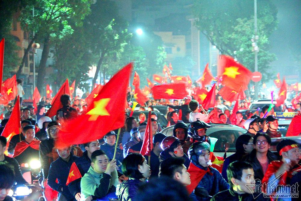 Làm việc với ĐSQ TQ để hỗ trợ cấp phép bay cổ vũ U23 Việt Nam