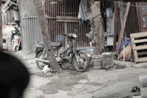 Tết còn ở rất xa với xóm lao động nghèo