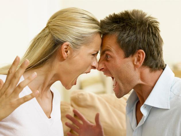 Vợ ngoại tình, chồng đâm trọng thương cả nhà vợ