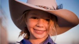 Cái chết của cô bé 14 tuổi thức tỉnh nước Úc